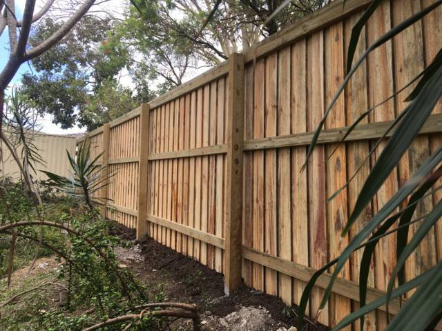 timber fencing gold coast pride fencescapes